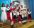 Crianças cantando músicas natalinas