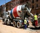 Camião-betoneira no trabalho