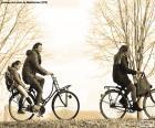 Família en bicicleta