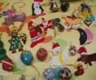 Variedade de enfeites de Natal