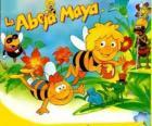 Maya the Bee e seu amigo Willi sob o olhar de Flip e outros personagens