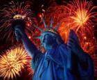 A Estátua da Liberdade, monumento em uma ilha no rio Hudson, perto de Manhattan, em Nova York