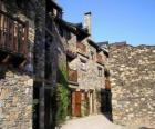 Rua típica aldeia de montanha