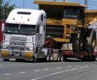 Caminhão, transportando uma grande camiao
