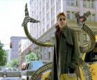 Doutor Octopus é um cientista louco muito inteligente, um dos maiores inimigos do Homem-Aranha