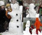 Crianças brincando com um boneco de neve