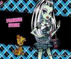 Frankie Stein, a filha do monstro Frankenstein e sua noiva tem 15 dias de idade