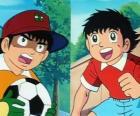 O futebolista Oliver e seu amigo Benji que joga como goleiro