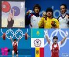Pódio de levantamento de peso 53 kg feminino, Zulfia Tchinchanlo (Cazaquistão), Hsu Shu-Ching (Taipé Chinês) e Cristina Iovu e Cristina Iovu (Moldávia) - Londres 2012-