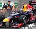 Sebastian Vettel, Campeão Mundial de F1 de 2012, com a Red Bull Racing, é o mais jovem tricampeão