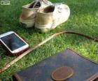 Mobile, saco e tênis