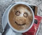 Café com leite sorrindo