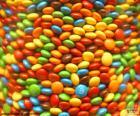 M&M's, pequenos pedaços de chocolate ao leite coberto de açúcar