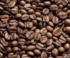 Café torrado para apontar para usá-los em várias receitas