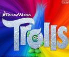 Cartaz do filme Trolls. Com um troll escondido atrás do logotipo