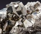 Pirita ou pirite é um dissulfeto de ferro (Fe2S), tem um 53,48% enxofre e 46,52% de ferro