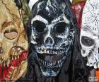 Três máscaras de Halloween