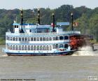 Barco a vapor com rodas de pás