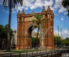 O Arco do Triunfo é um monumento construído como entrada principal para a Exposição Universal de Barcelona de 1888