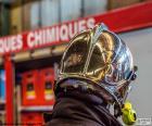 Capacete de bombeiro cromado