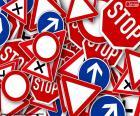 Vários sinais de trânsito