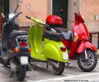 Três scooters ou motonetas