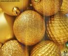 Esferas douradas para o Natal