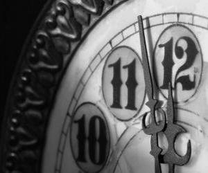 Puzle Relógio à beira da meia-noite