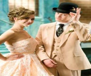 Puzle Ryan Evans (Lucas Grabeel), juntamente Kelsi Nielsen (Olesya Rulin) no musical