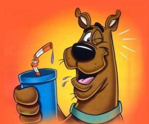 Puzle Scooby Doo com uma bebida