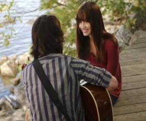Puzle Shane (Joe Jonas) um hino lado a lado Mitchie Torres (Demi Lovato)