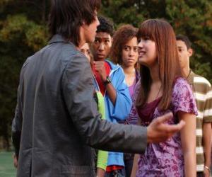 Puzle Shane (Joe Jonas) zangado com Mitchie Torres (Demi Lovato)