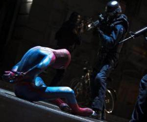 Puzle Spider-Man, Homem-aranha, capturado pela polícia