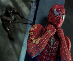 Puzle Spiderman preso em Venom