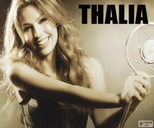 Puzle Thalía, é uma cantora, compositora, atriz, apresentadora, escritora e empresária mexicana