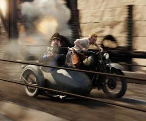 Puzle Tintim dirigindo um carro lateral, com seus amigos em uma de suas aventuras