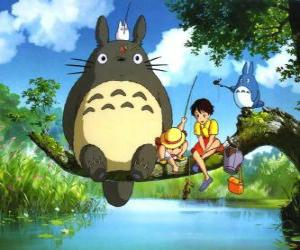 Puzle Tororo, o rei da floresta e dos seus amigos no filme anime Meu Vizinho Tororo