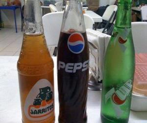 Puzle Três garrafas de bebidas ou refrescos