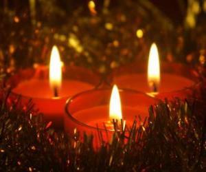 Puzle Três velas de Natal com pavio queima