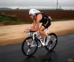 Puzle Triatleta no ciclismo
