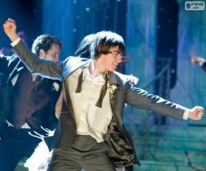 Puzle Troy Bolton dançando