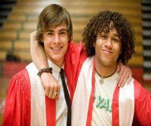 Puzle Troy Bolton (Zac Efron) e Chad (Corbin Bleu) o dia de formatura