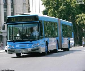 Puzle Um ônibus articulado de dois módulos