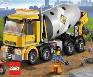 Puzle Um caminhão betoneira e um trabalhador da construção civil, Lego City