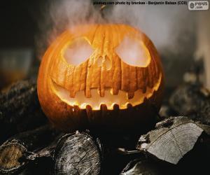 Puzle Uma abóbora de Halloween fumegante