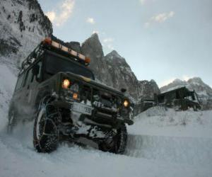 Puzle Veículo 4x4, resgate de montanha
