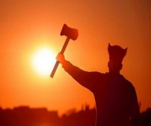 Puzle Viking ou viquingue armado com um machado