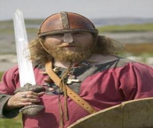 Puzle Viking ou viquingue armado com uma espada e um escudo