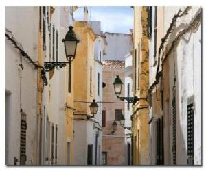 Puzle Village Street em Menorca, Espanha