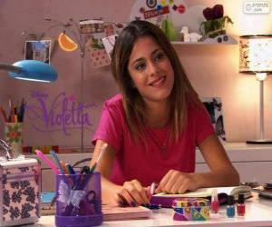Puzle Violetta na sua mesa
